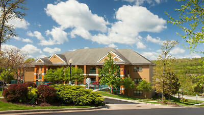 BLUEGREEN VACATIONS  THE FALLS VILLAGE  8000 ODD YEAR POINTS  BRANSON MO