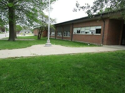 NICE MISSOURI SCHOOL RESIDENTIAL OR COMMERCIAL ON 6 ACRES HOME MANSION BUSINESS