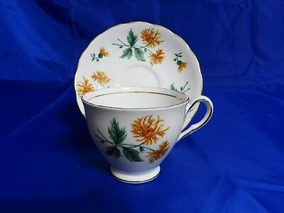 COLCLOUGH Vtg Bone China FOOTED TEA CUP - SAUCER Scallop Mustard Yellow Flowers