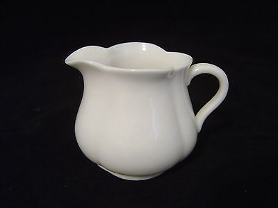 VINTAGE W H GOSS CRESTED CHINA WHITE PORCELAIN CREAMER PITCHER MADE IN ENGLAND