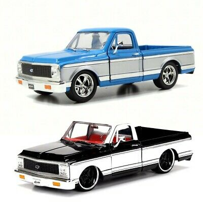 JADA 1972 CHEVROLET CHEYENNE PICK UP TRUCK 124 Scale BLACK  WHITE or BlueWhie
