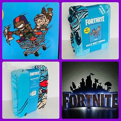 New RARE 2019 Fortnite Battle Royale size 40 x 50 throw blanket 100 polyester