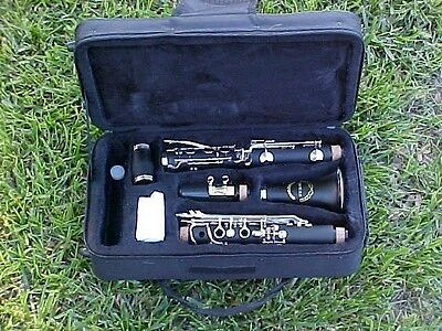 CLARINETS-BANKRUPTCY SALE-NEW INTERMEDIATE CONCERT BAND CLARINET-W YAMAHA PADS