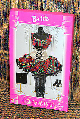 VINTAGE BARBIE 1995 FASHION AVENUE OUTFIT BY MATTEL IN ORIGINAL PACKAGE-