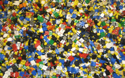 2 POUNDS OF LEGOS Bulk lot Bricks parts pieces - 100 Lego Star Wars City Etc