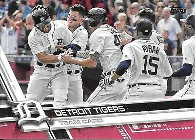 2017 Topps Mothers Day Pink 394 Detroit Tigers 4450