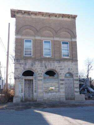 3 PROPERTIES UP FOR AUCTION WITH NO RESERVE IN ILLINOIS GREAT OPPORTUNITY