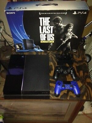 Sony PlayStation 4 - Original Launch Edition Black Console 2 controllers-charger