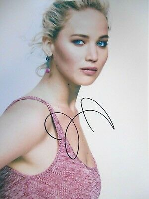 Jennifer Lawrence Signed  8x10 auto photo in Excellent Condition