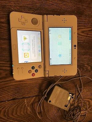 Nintendo New 3DS  Mario 3D Land White Console Handheld System With Charger