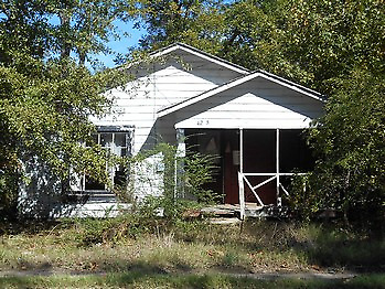 SFH on 1 acre WOW with no reserve in Pine Bluff AR Bid2Win