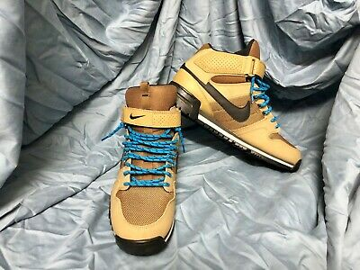 Nike Army Green Sneaker Boot Size 11-5 Men - Worn only 1 time