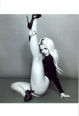 BRITNEY SPEARS - IN A THONG ONE PIECE - STRETCHING HER GORGEOUS LEGS