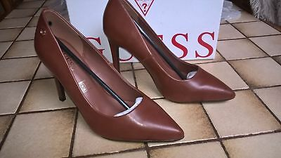 Escarpin-Chaussures brune *GUESS* pointure 37