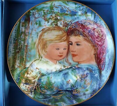 EDNA HIBEL MOTHERS DAY PLATE 1991 - MICHELE AND ANNA - KNOWLES CHINA