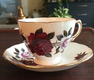 VTG COLCLOUGH BONE CHINA ENGLAND WHITE - RED ROSES RIDGWAY CUP - SAUCER SET