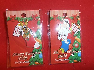 2 Disney Christmas Pins Goofy - Pluto in Stockings  New  on Cards- 2005- lot A