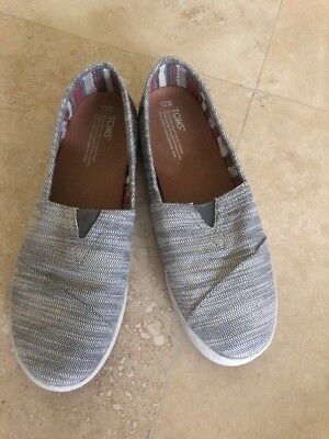 TOMS womens sz 11 W Slip On Canvas Sneakers Slip-on Flats Shoes EUC