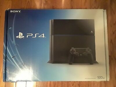 Used Sony PlayStation 4 Launch Edition 500 GB Jet-Black Console with Controller