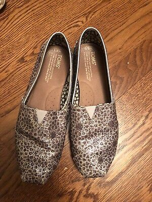 EUC Toms Silver Glitter Sparkle Classic Slip-on Shoes Size 8-5 Snake Flower Drop