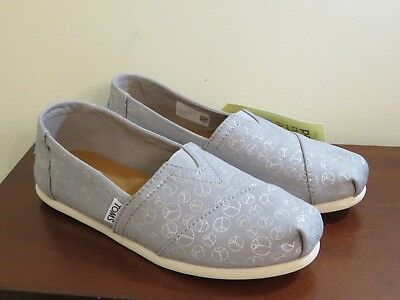 TOMS WOMENS CLASSIC DRIZZLE GREY FOIL PEACE SIGNS SIZE 6 SHOES NEW