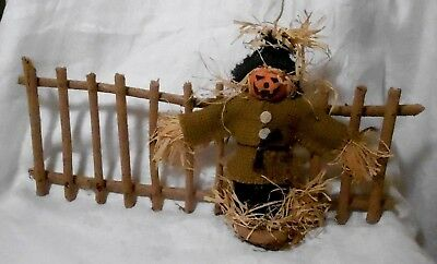 Handcrafted  SCARECROW with WOOD FENCE THANKSGIVINGFALL Halloween