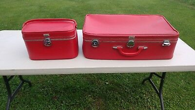 Red Amelia Earhart Two-piece Luggage Vintage