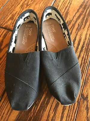 Toms Classic Black On Black Canvas Womens Shoes Size 7-5