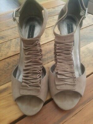 STEVE MADDEN High Heel Shoes Taupe Suede Ruffle ♡ Size 9  • CUTE STYLE