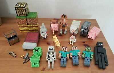 Minecraft Figure Lot Steve Zombie Skeleton Enderman Cow Animals Boxes Bed Weapon