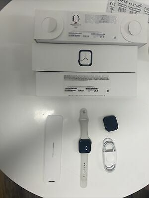 Apple Watch Series 4 44 mm Space Black Stainless Steel Case W Sports Band