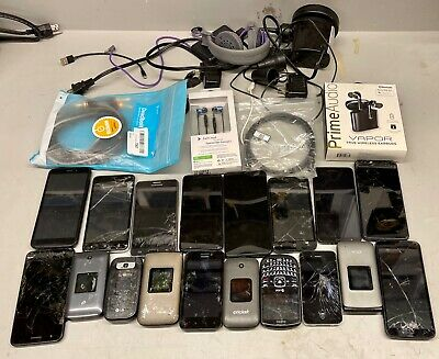 LOT OF 18 PHONES iPHONES SAMSUNG LG UMX other SEE PICS FOR SALVAGE PARTS