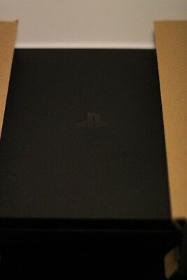 Sony PlayStation 4 1tb with GTA 5 and Battlefield 1