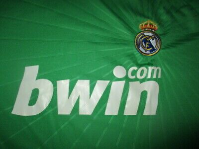 Green REAL MADRID 1 IKER CASILLAS Jersey Large Football Embroidered Crest
