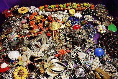 Vintage In Seattle Lot515 over 3 pounds of vintage jewelry parts for arts craft