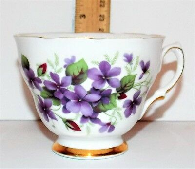 Colclough Bone China Teacup 7876 Violets Scalloped Edge Trimmed in Gold