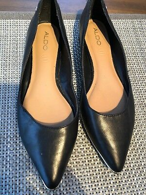 Aldo Size 9  Pointy Black Ballet Flats Faux Leather Cushioned Footbed  Leather