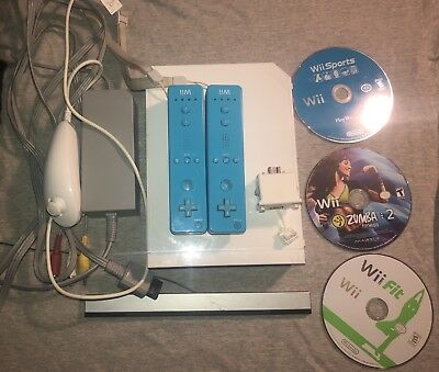 Nintendo Wii RVL-001 White Video Game Console System Bundle