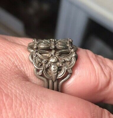Antique Chinese c-1900 Chased Silver Puzzle Ring with Butterfly Motif