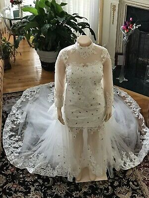 White Plus Size Wedding Dress Bridal Gown with Lace and Rhinestones Custom Made