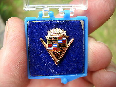 Vintage 1950s CADILLAC  10 Yaers of Service PIN  Gold Filled  VARDEN in case