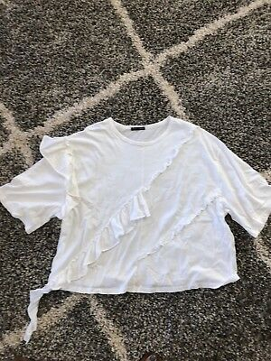 Zara Trafuluc Tee Shirt Medium White Ruffle Novelty Short Sleeve Perfect Crew