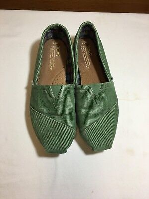 TOMS FABRIC FLAT SHOES SIZE 9-5 COLOR GREEN