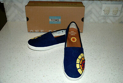 NIB TOMS Womens size 7-5 Avalon washed navy CTAOP with design