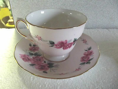 Nice Vintage Colclough Ridgway English Fine  Bone China teacup with Roses