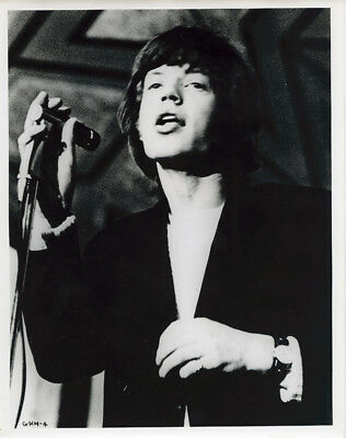 The Rolling Stones original 1960s 8x10 press photo Mick Jagger singing