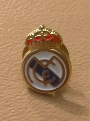 Lot of 5 REAL MADRID CF Pin Badge Button OFFICIAL FOOTBALL SOCCER CLUB TEAM
