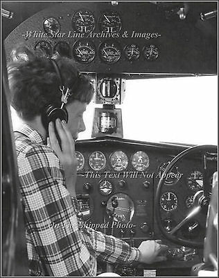 Photo Amelia Earhart In Her Electra Tuning The 27A Remote Radio