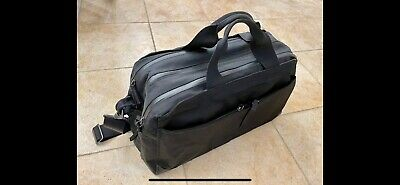 The Pakt One 35L  Duffle Bag  Suitcase Opening  Perfect Condition