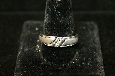 10K White Gold Ring with 3 Diamonds in a Diagonal Row